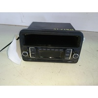 AMAROK GOLF PASSAT POLO JETTA CADDY EOS CD PLAYER