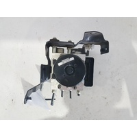 NISSAN NAVARA D40  ABS BOOSTER ASSEMBLY