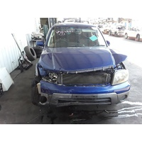 FORD ESCAPE ZC RIGHT FRONT DOOR
